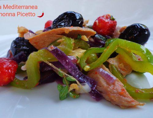 Insalatona con pollo tonno verdure e pomodorini datterini confit di Cannavacciuolo